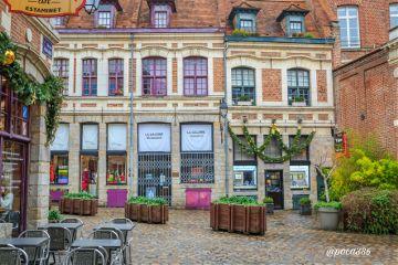 colorful architecture travel emotions citytrip