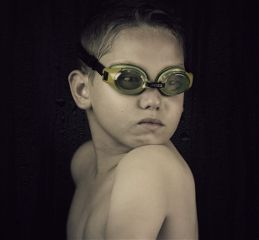 swimgoggles kids portrait